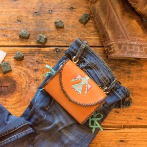 Mustang Maddy Leather Treat Pouch Thunderbird