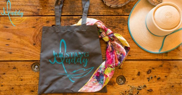 Mustang Maddy Tote Styled